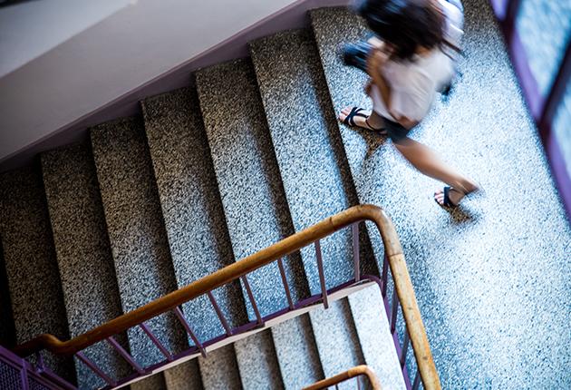 Escalier de la Résidence J. Lejeune pour les étudiants au coeur de Paris dans le 15ème