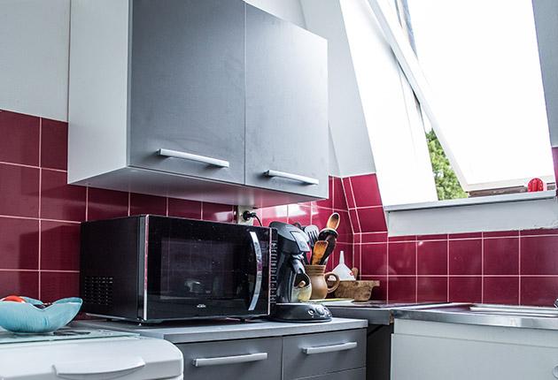 Cuisine d'un appartement privatif pour senior de la maison de retraite C.Foucauld à Saint-Brice-Sous-Forêt (95350)