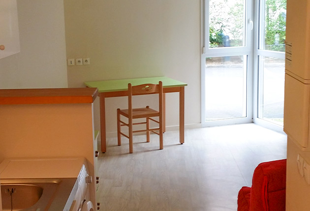 Intérieur d'un studio de la résidence J. de la Bruyère, Poissy (78300)