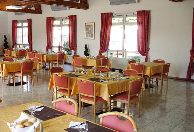 Salle de restauration de la maison de retraite C.Foucauld à Saint-Brice-Sous-Forêt (95350)