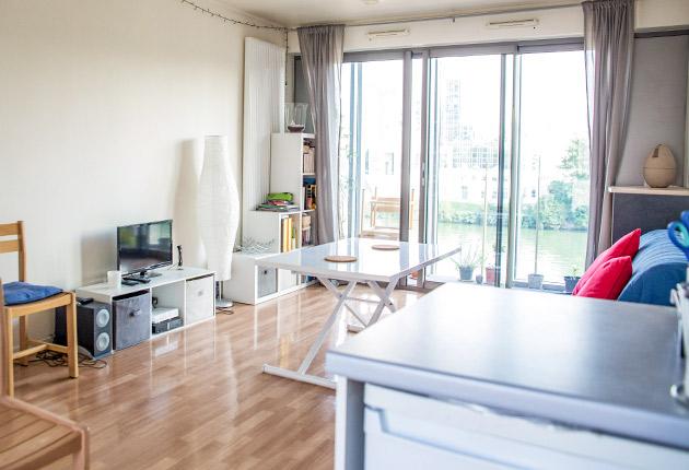 Vue sur le salon du studio de la Résidence Boulogne de l'Agefo (92100)