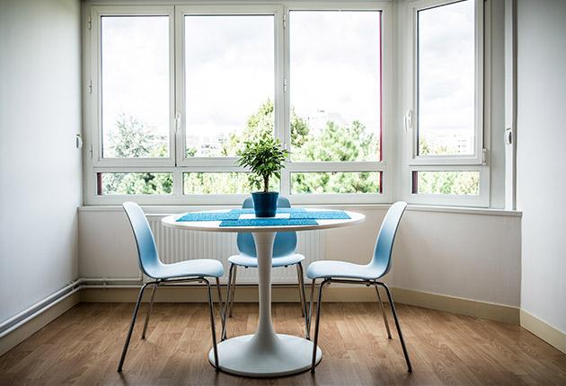Coin salle à manger lumineuse dans un appartement de la résidence E.Dobler à Soisy-Sous-Montmorency 95230