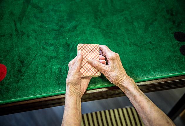 Jeux de cartes de la salle d'activité de la maison de retraite E.Dobler à Soisy-Sous-Montmorency 95230