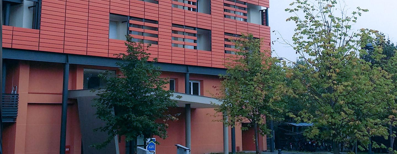Façade la Résidence G. Monchaux pour jeunes actifs à Achères ( 78260)