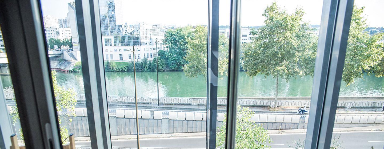 Vue sur la seine depuis le studio T2 de la résidence pour jeunes actifs à Boulogne Billancourt (92100)