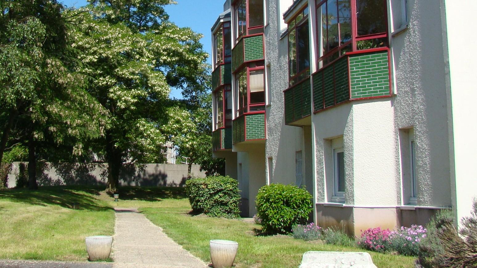 Votre résidence autonomie <br>Edmond Dobler<br>entre ville et nature à Soisy-sous-Montmorency : places disponibles